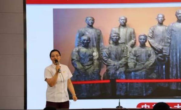 南湖革命纪念馆油画.png